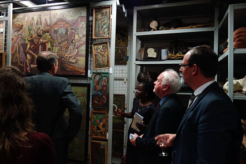 US Dignitaries looking at the Art works