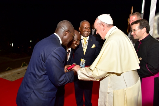 Prof. Kyeyune receives a blessed Rosary from Pope Francis