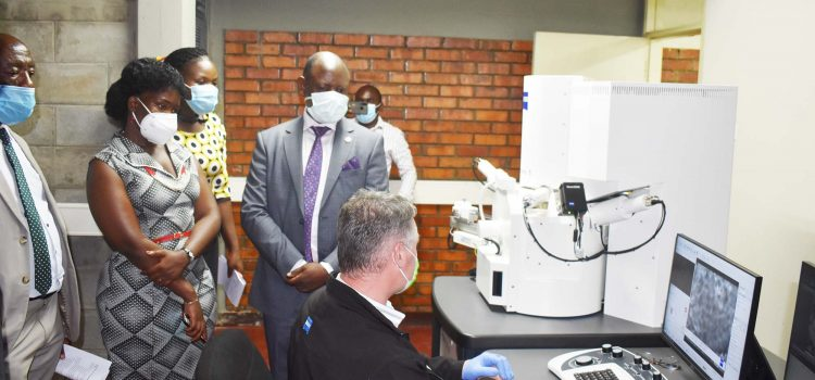 CEDAT Unveils State-Of-The-Art Scanning Electron Microscope